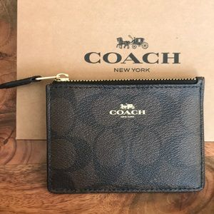 {Coach} Cardholder with Keychain. Classic Brown.